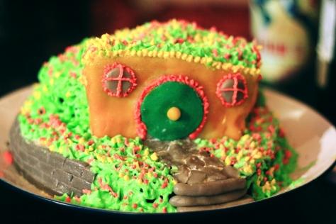 hobbit house cake front