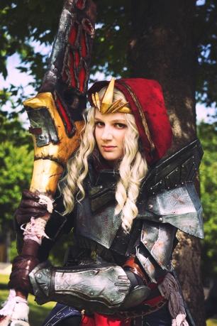 dragon-age-2-meredith-cosplay-1