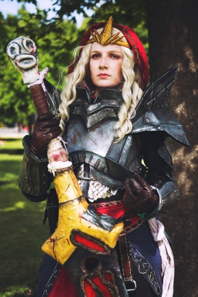 dragon-age-2-meredith-cosplay-2