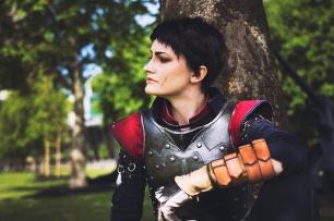 dragon-age-inquisition-cassandra-cosplay-1